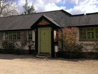 Beautiful Family Home in semi-rural location, 10 mins To Legoland, Sleeps 7