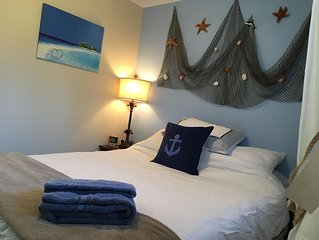 Colwood Cosy Cottage. Beautiful West Shore location