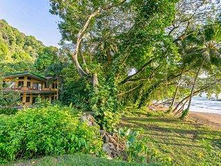Villa Sur with Gorgeous Pool & View
