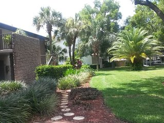 2/2 Condo Lehigh Acres quiet 55+ community  14 day minimum