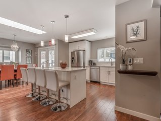 Beautiful Remodeled  Modern, Relaxed, Private Home - Great Location 5 bedrooms