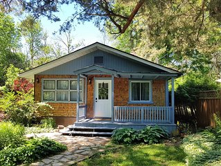 Red Grounds Cottage by Lake Simcoe