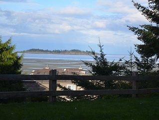 Pacific Tide Beach House, Resort Drive, Rathtrevor Park, Ocean View!!
