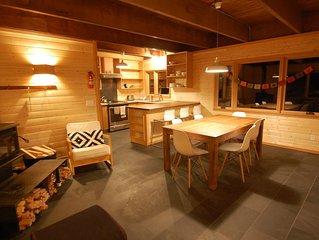 Snowy Owl -Cozy remodeled cabin in Govy, Wood Stove , Great Ski Cabin !!