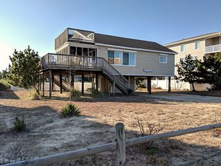 Adorably decorated, semi-oceanfront, beach cottage, with pool. Ocean views!