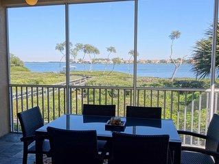 Bradenton Beach Club 301: Gorgeous, Modern, Pool, Hot Tub, Views, Close to Beach
