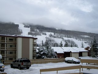 Vail, CO slopeside one bedroom studio. Walk to lifts or take free shuttle..