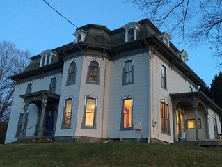 Cozy Victorian Mansion with room for your whole family