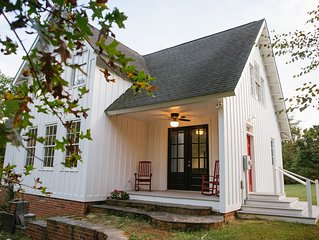 Charming country 4-bedroom home on 3 acres in Southern Albemarle Wine Country