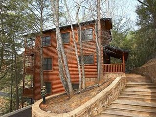 Large Family Cabin with Spectacular Views of the Great Smoky Mountains