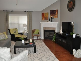2 King & 1 Queen BRs-Only 1.5 Mile to campus-Remodeled 2nd Home-Quiet & Clean