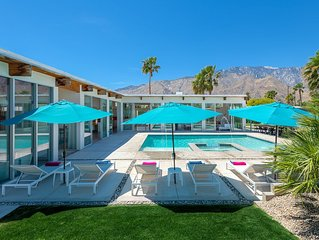 Palm Springs Luxury in a Resort-Like Setting