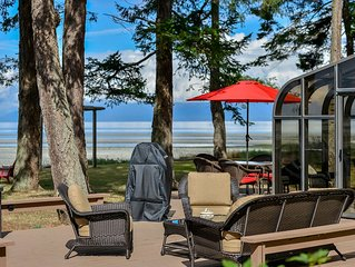 Enjoy the outdoor living with beach front access. - Enjoy the outdoor living with beach front access.