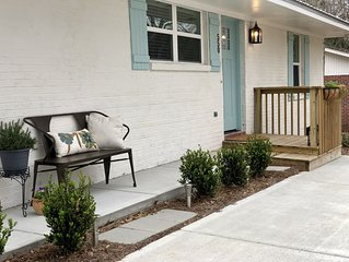 Prime Location Near AU Campus! 4BR/4BA Luxury Cottage. All Suites!