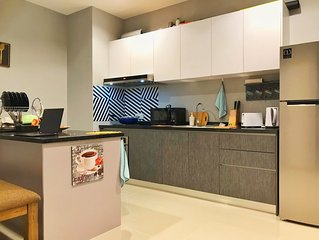 Clean and Cosy 3R2B Apartment for 8 Near Batu Caves, FRIM