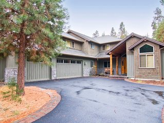 5 Virginia Rail Lane: 5 BR / 6 BA home in Sunriver, Sleeps 12