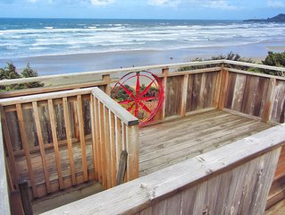 Nye Beach Oceanfront Street, Spa, Sauna, Rooftop Deck, Fireplaces, Kid's Loft