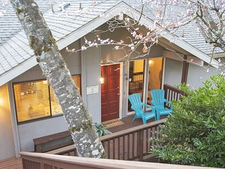 Peaceful Retreat in Eugene with Hot Tub, just 10 minutes from downtown.