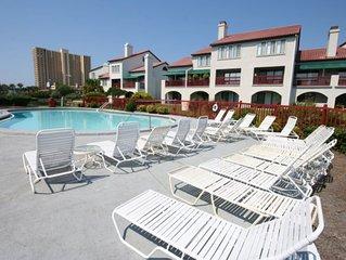 Pool, boat dock, waterfront, steps to beach, restaurants & nightlife.