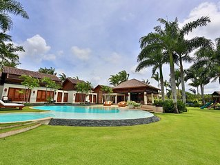 Spectacular Ocean and Golf Course Views / Luxurious Villa
