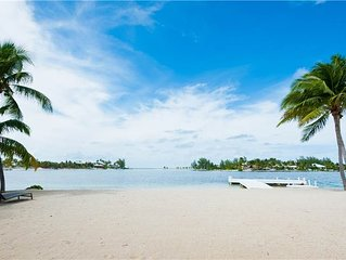 Treasure Cove-Unmatched Luxury with Private Pool and Boat Dock in Cayman Kai