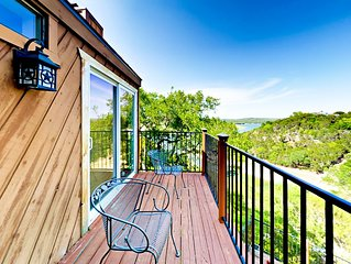 Lakeside Leisure: 2BR, 2BA Spicewood Cabin w/ Shared Pool and Tennis Courts