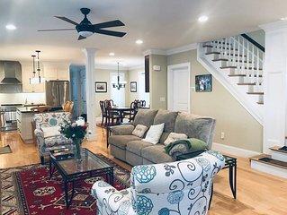 Luxury house near Harvard/Porter. 10 guests, 3-4 bedroom, 4.5 bath , 6 beds.