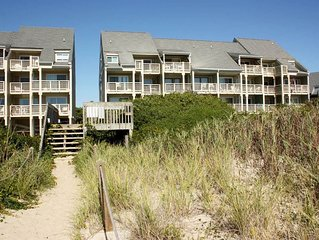 Caswell Beach condo with outdoor community pool