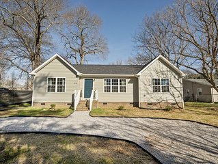 Pet Friendly River Home 3 bed/2 bath!
