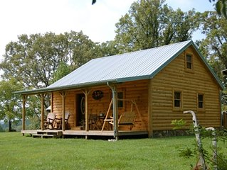 Peaceful Country Cabin with hot tub near Red River Gorge