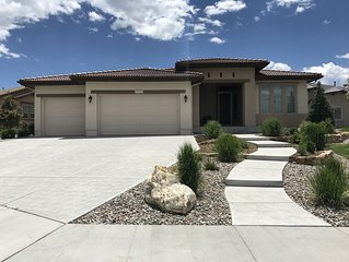 Perfect Location Minutes from USAFA and Flying Horse Golf Course