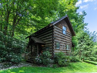 Scrollrock - Charming Creek-side Cabin, Secluded, with Hot tub. Pets ok!