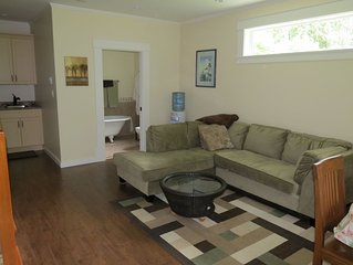 PRIVATE SUITE ON SECLUDED PROPERTY ALONG COWICHAN RIVER  ($175 Canadian)