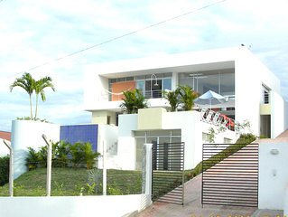 Beautiful and big private house with swimming pool in Girardot city