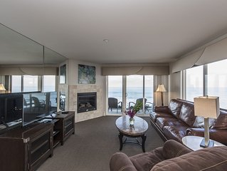 Beachfront 2BR Condo in the heart of Carlsbad