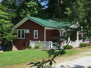 Rivers Edge Cabin - Swim - Kayak - Fish From Your Backyard !!!!