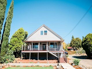 Charming and Updated Home Next to Downtown