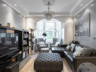 Spacious 5 Bedrm Family Home in London, only 5 min walk from Victoria Line Tube!