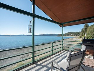 Private beach front apartment in Auke Bay