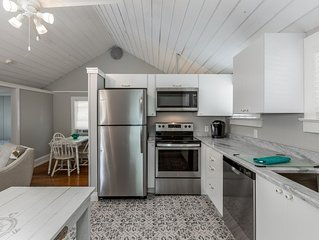Brand new cottage near Downtown Tarpon Springs/ Sponge Docks & Clearwater beac