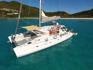 Luxury inclusive catamaran - great for friends and families!
