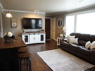 Renovated Turnberry Condo, Walk to Grove, Football Stadium, and Baseball Games