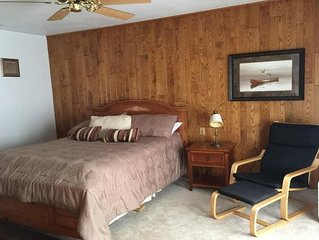 Beautiful Home on Lake Tomahawk. Weekly rental.