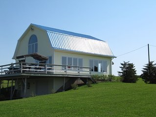 Waterfront Cottage! Family friendly