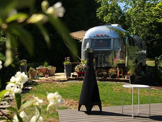Gorgeous, Renovated Airstream, 3 Miles from Dreams Park and Downtown, Sleeps 4!