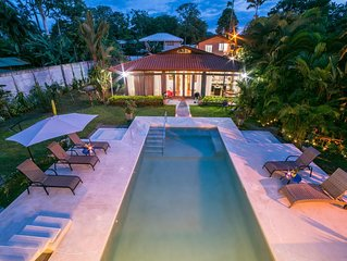 Autumn Sale! Private Villa W/ beautiful pool/garden awaits you :)