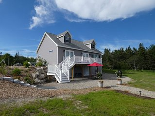 Sunny Hollow: Newer Shorefront Home w/ Beach and Fire Pit Near MDI and Acadia NP