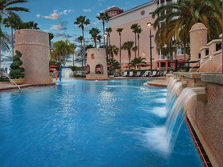 **LOOK 2 Bedroom Condo Sleeps up to 8 - GOLF, POOLS and CLOSE TO ATTRACTIONS