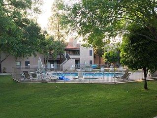 Scottsdale Condo, 2 bedroom 2 bathroom off McDonald and Scottsdale rd.