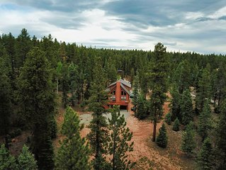 NEW! Cabin In Duck Creek With Theatre Room, Near Zions and Bryce Canyon